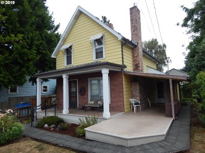 Ridgefield Single Family Home For Sale: 108 S 4th Ave