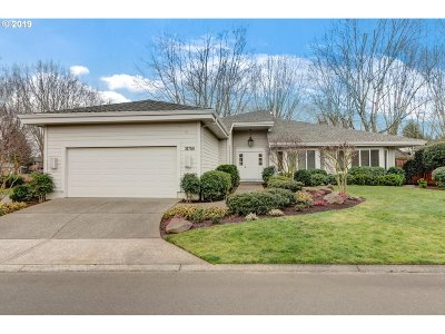 Wilsonville Single Family Home For Sale: 31750 SW Village Crest Ln