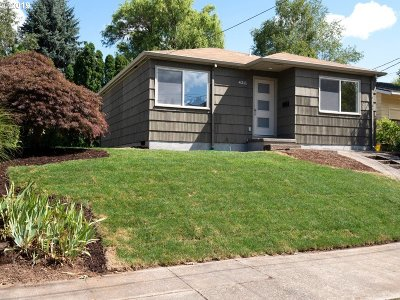 Portland Single Family Home For Sale: 4211 SE Taggart St