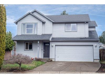 Newberg Single Family Home Bumpable Buyer: 825 Stephanie Ct