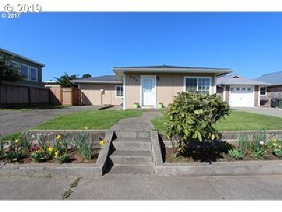Bandon Single Family Home For Sale: 590 Franklin Ave