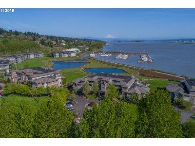 Vancouver Condo/Townhouse For Sale: 5433 SE Scenic Ln #300