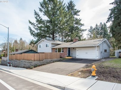 Tigard Single Family Home For Sale: 11340 SW Walnut St