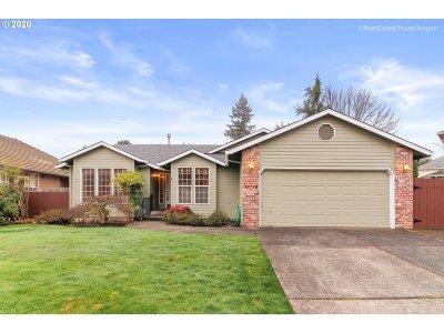 Oregon City Single Family Home For Sale: 19793 Castleberry Loop