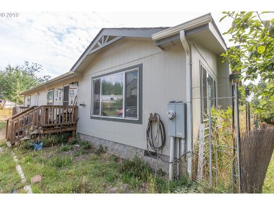 Coquille OR Single Family Home For Sale: $259,000