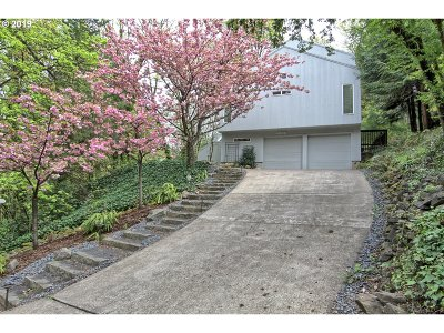 Single Family Home For Sale: 802 SW Terwilliger Pl