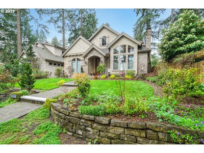 Lake Oswego Single Family Home For Sale: 324 9th St