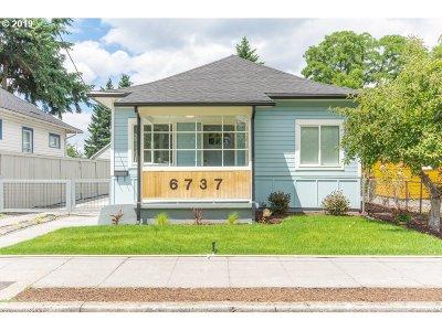 Multnomah County Single Family Home For Sale: 6737 SE Steele St