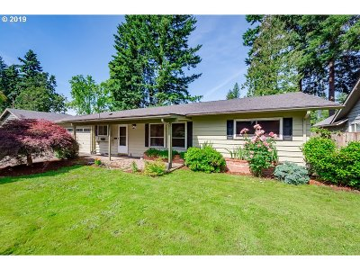 Beaverton Single Family Home For Sale: 205 SW 143rd Ave