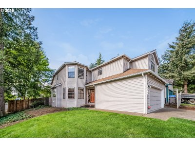 Tigard Single Family Home For Sale: 7914 SW Churchill Way