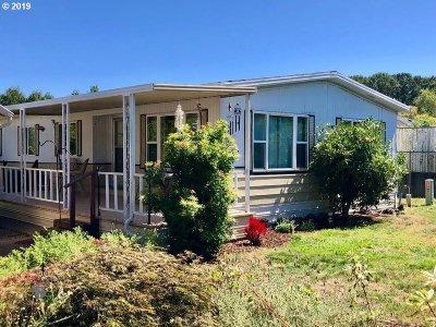 Dallas Single Family Home For Sale: 450 SE Lacreole Dr #102