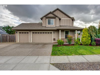 Oregon City Single Family Home For Sale: 19106 Silver Salmon Dr