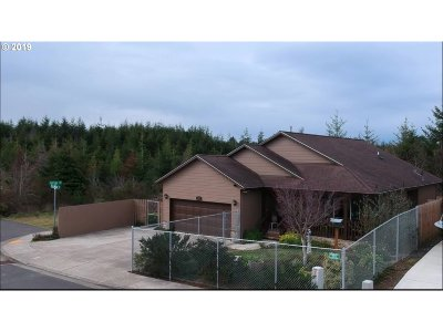 Coos Bay Single Family Home For Sale: 692 Fillmore