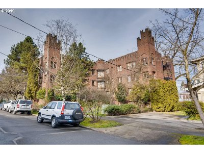 Portland Condo/Townhouse For Sale: 2533 NW Marshall St #105