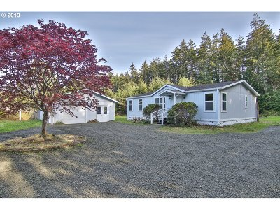 Bandon Single Family Home For Sale: 87598 Holly Ln