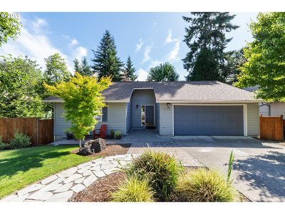 Tigard Single Family Home For Sale: 7715 SW Gentle Woods Dr