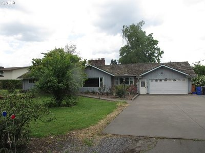 Molalla Single Family Home For Sale: 1000 W Main St