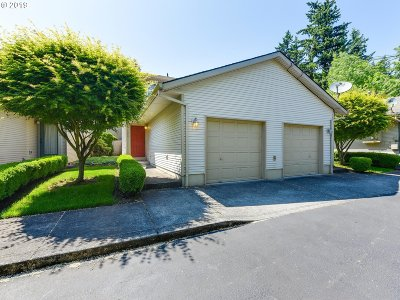Portland Single Family Home For Sale: 12042 SE Bush St #B