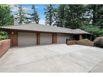 Lake Oswego Single Family Home For Sale: 19 Hidalgo St