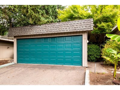 Eugene Condo/Townhouse For Sale: 1500 Norkenzie Rd #42