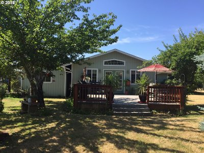 Roseburg Single Family Home For Sale: 4143 Del Rio Rd