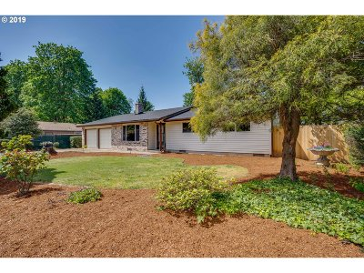 Oregon City, Beavercreek Single Family Home For Sale: 18633 Roundtree Dr