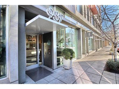 Portland Condo/Townhouse For Sale: 937 NW Glisan St #336