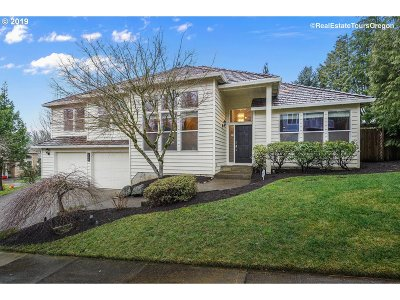 Portland Single Family Home For Sale: 1249 NW Slocum Way