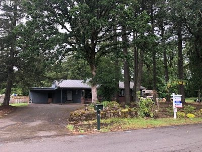 St. Helens Single Family Home For Sale: 745 Maplewood Dr