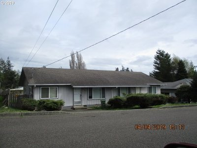 Coos Bay Multi Family Home For Sale: 2770 33rd