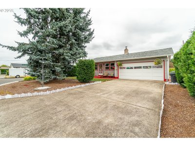 Woodburn Single Family Home For Sale: 1561 Sallal Ct