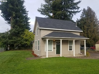 Woodburn Single Family Home For Sale: 1015 McKinley St