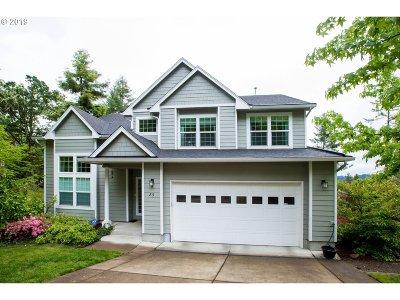 Eugene Single Family Home For Sale: 89 Marlboro Ln
