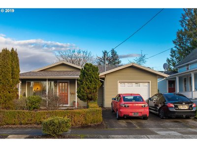 Portland Single Family Home For Sale: 138 NE 74th Ave