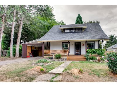 Clackamas County Single Family Home For Sale: 305 Caufield St