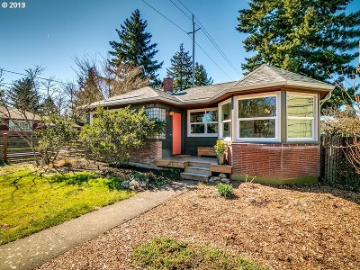 Portland Single Family Home For Sale: 5305 NE 40th Ave