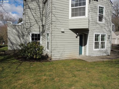 Wilsonville Condo/Townhouse For Sale: 8445 SW Curry Dr #B