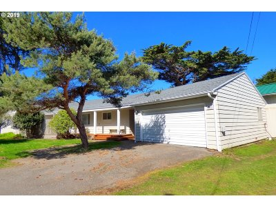 Bandon Single Family Home For Sale: 760 SW 4th St