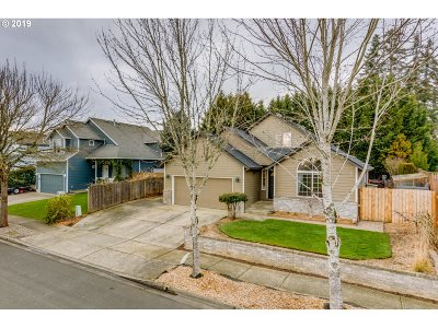 Hillsboro Single Family Home For Sale: 6227 SE Green St