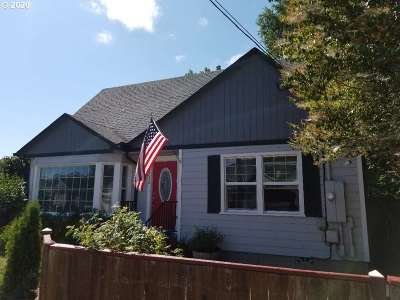Single Family Home For Sale: 1236 SE Mill St