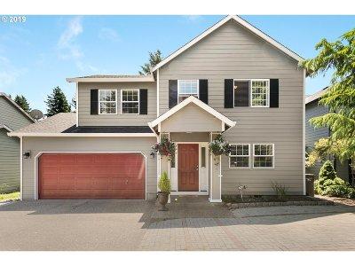 Multnomah County Single Family Home For Sale: 13014 SE Ellis St