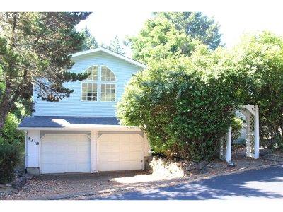 Lincoln City Single Family Home For Sale: 5338 NE Port Ln