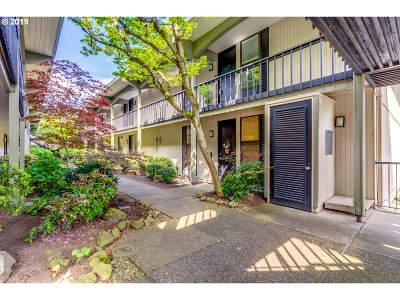 Lake Oswego Condo/Townhouse For Sale: 668 McVey Ave #43