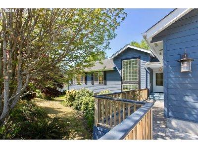 Warrenton Single Family Home For Sale: 995 SW Cedar Ave
