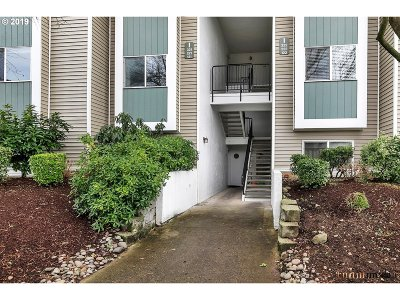Gresham Condo/Townhouse For Sale: 4768 W Powell Blvd #221