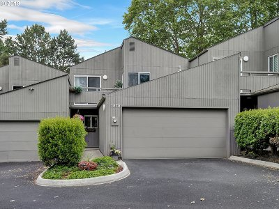 Beaverton Condo/Townhouse For Sale: 1870 NW Shorewood Ct