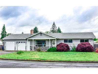 Eugene Single Family Home For Sale: 867 Silver Ln