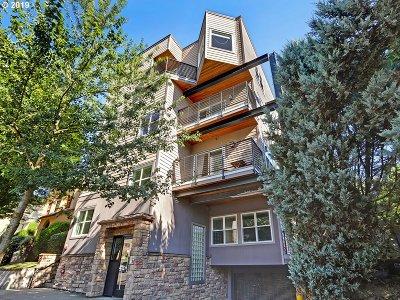 Portland Condo/Townhouse For Sale: 2241 NW Pettygrove St #1