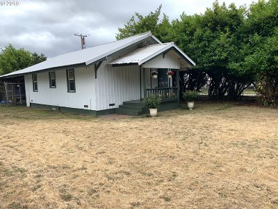 Coos Bay Single Family Home For Sale: 421 N Empire Blvd