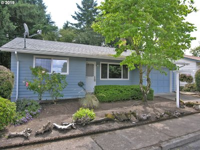 Sherwood, King City Single Family Home For Sale: 16820 SW Queen Anne Ave